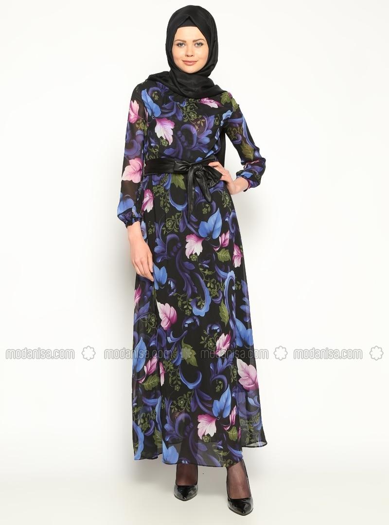 robe en mousseline de soie saxe robe modanisa. Black Bedroom Furniture Sets. Home Design Ideas