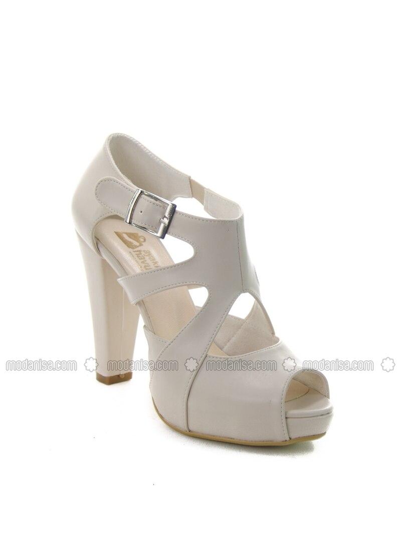 beige high heel shoes ayakkab havuzu by ayakkab havuzu modanisa. Black Bedroom Furniture Sets. Home Design Ideas