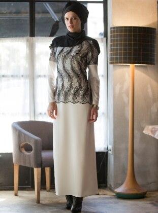 Üzeri Floş Dantelli Abiye Elbise - Beyaz-Siyah