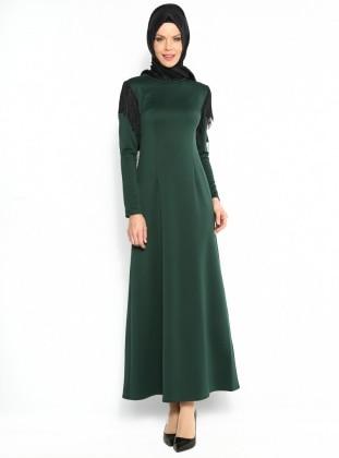 Omuzları Püsküllü Elbise - Yeşil