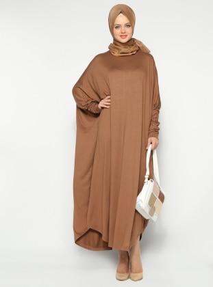 Yarasa Kollu Elbise - Bisküvi