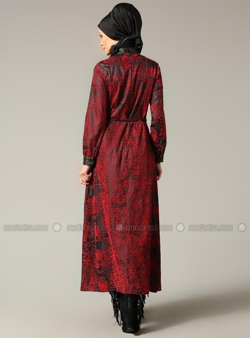 Detail De Robe En Cuir Rouge