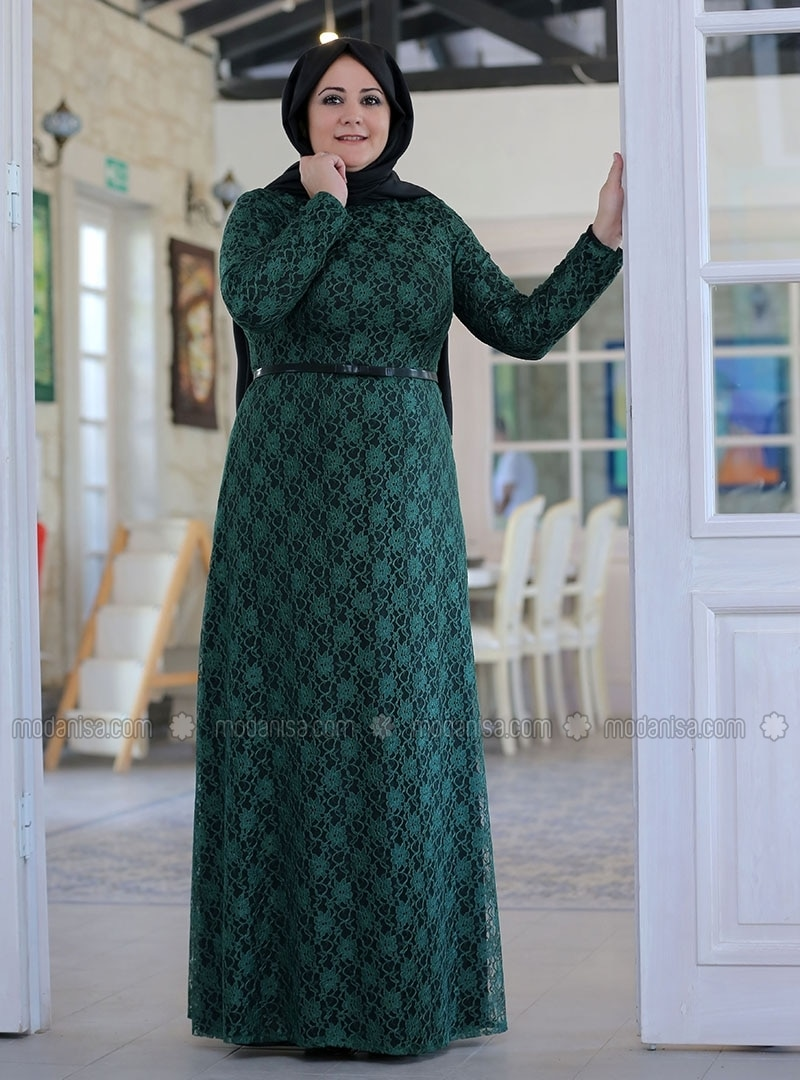 Green Lace Evening Dress
