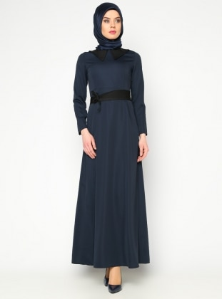 Sivri Yaka Elbise - Lacivert