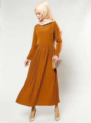 Kolyeli Elbise - Camel - Refka Women