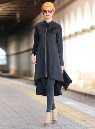 Nilüfer Kamacıoğlu Zincir Detaylı Tunik - Siyah