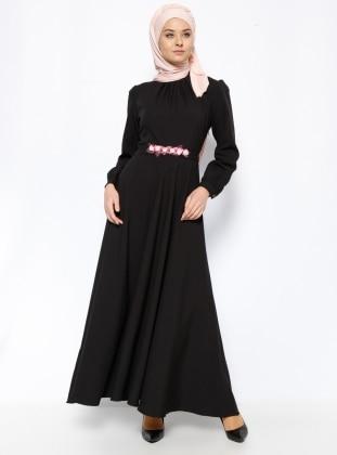 Çiçek Kemerli Elbise - Siyah