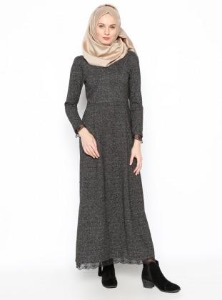 Dantel Aplikeli Elbise - Siyah
