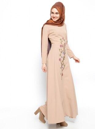 Nakışlı Elbise - Camel