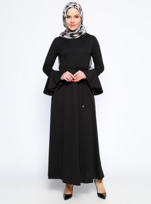 Kolları Volan Detaylı Elbise - Siyah