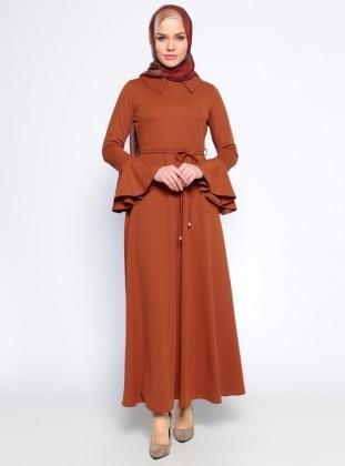 Kolları Volan Detaylı Elbise - Taba