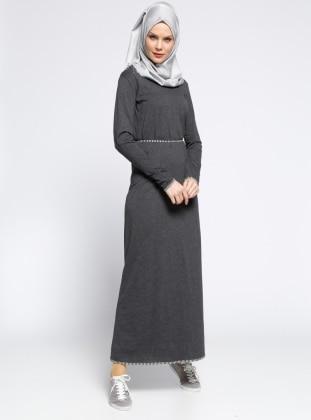 Meryem Acar Biye Detaylı Elbise - Siyah Gri