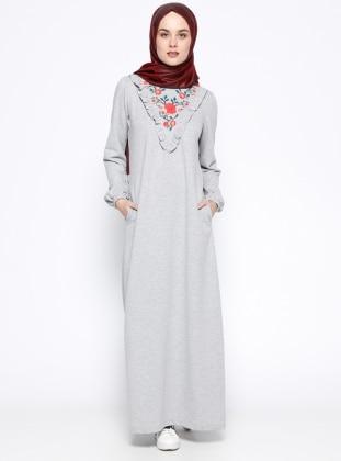 Nakış Detaylı Elbise - Gri