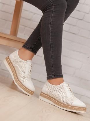 Ayakkabı - Beyaz Ayakkabı Havuzu