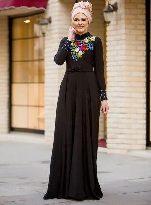 Bahar Nakışlı Elbise - Siyah