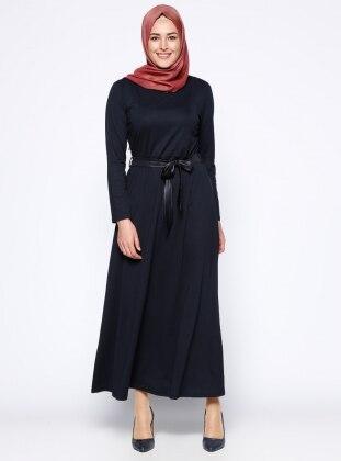 Kolye Detaylı Elbise - Lacivert