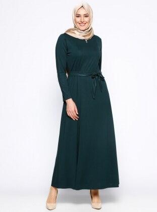 Kolye Detaylı Elbise - Yeşil