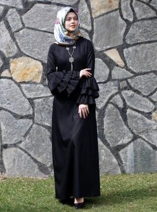Kübra Biriktir Larissa Fırfırlı Elbise - Siyah