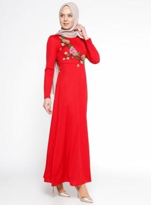 Nakış Detaylı Elbise - Kırmızı