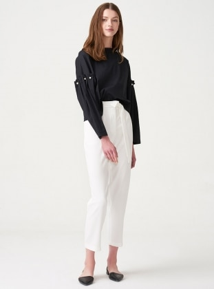 Kolları İnci Süslemeli Bluz - Siyah