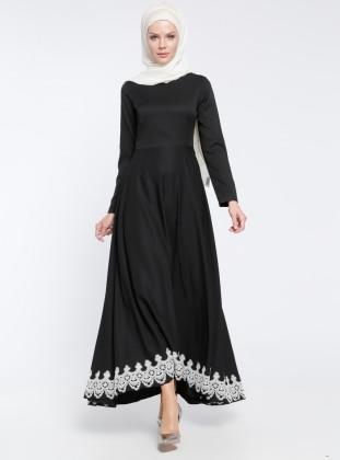 Dantel Detaylı Elbise - Siyah