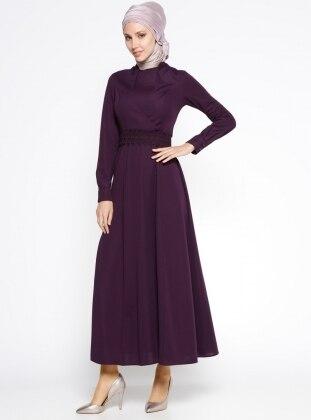 Güpür Kemerli Elbise - Mor