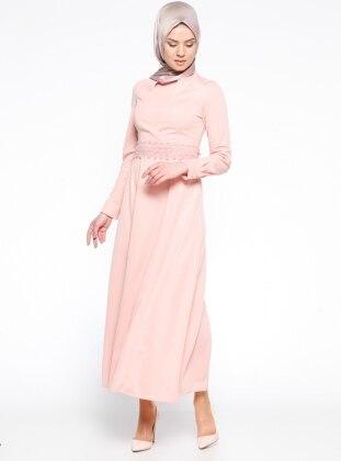 Güpür Kemerli Elbise - Pudra