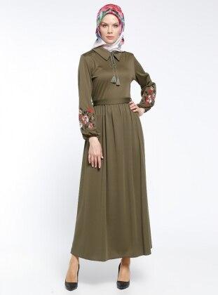 Kolları Nakış İşlemeli Elbise - Haki