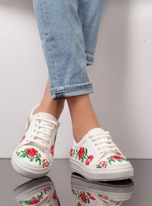 Ayakkabı - Beyaz Nakışlı