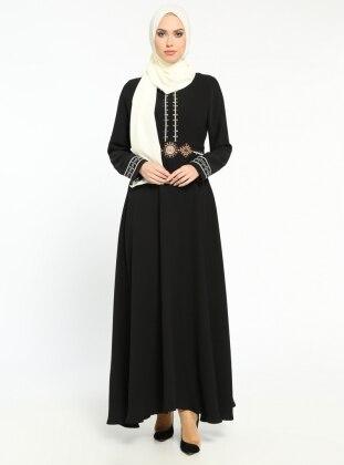 Nakış Detaylı Elbise - Siyah