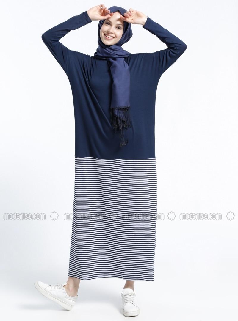 55e02631b1 Blanc - Bleu marine - Ecru - A rayures - Col rond - Tissu non doublé - Robe