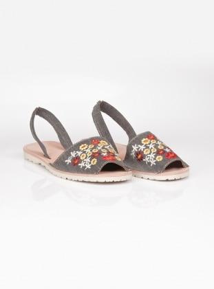 Sandalet - Gri Ayakkabı Havuzu