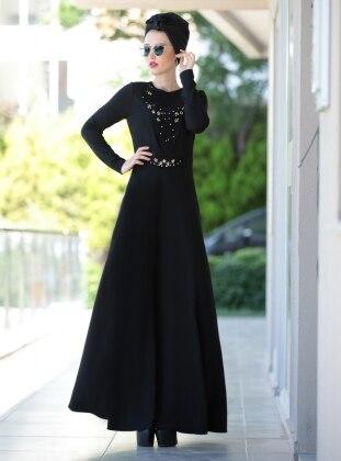 Taş Detaylı Güpürlü Elbise - Siyah
