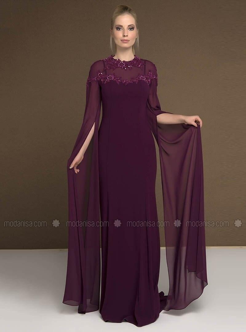 Kollu, güzel uzun elbise