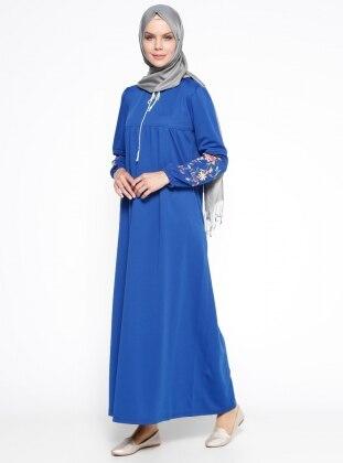 Nakış İşlemeli Elbise - Saks