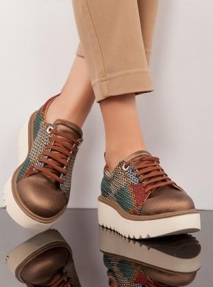Ayakkabı - Bakır Ayakkabı Havuzu