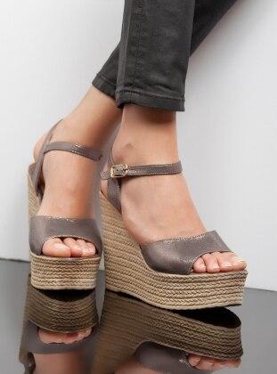 Dolgu Topuk Ayakkabı - Platin Ayakkabı Havuzu