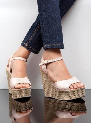 Dolgu Topuk Ayakkabı - Pudra Ayakkabı Havuzu