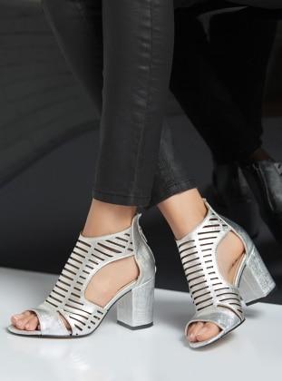 topuklu ayakkabı - gümüş - ayakkabı havuzu