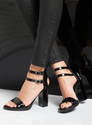 Topuklu Ayakkabı - Siyah Ayakkabı Havuzu