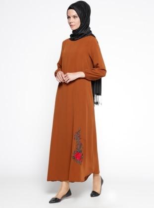 Nakış İşlemeli Elbise - Koyu Tarçın Mileny