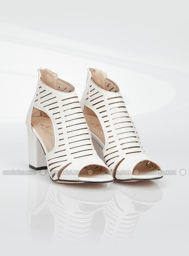 white high heel shoes ayakkab箟 havuzu