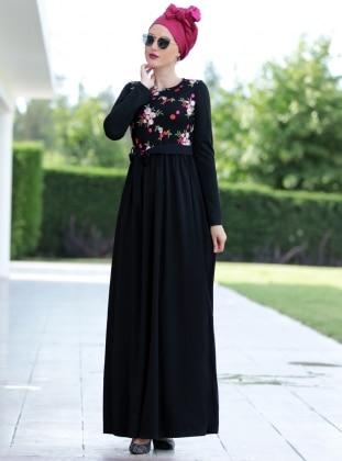 Nakış İşlemli Elbise - Siyah