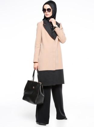 Kaşe Kaban - Camel Versace