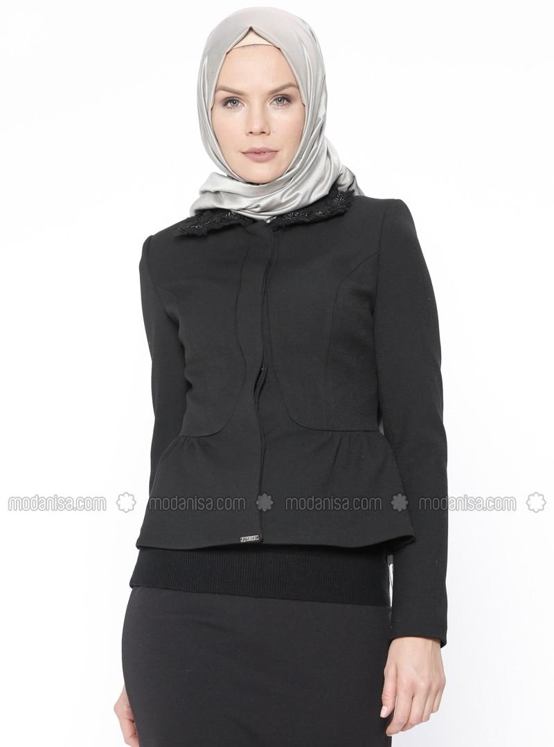 Güzel Siyah Ceket Kombinleri