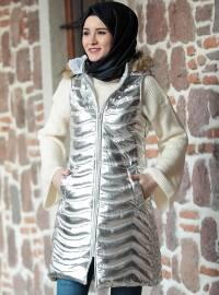 Beyaz Yelek Mont - Gümüş - Amine Hüma