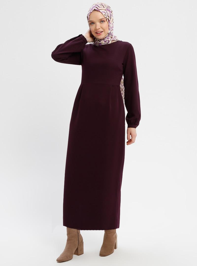 cd4a835ee8008 Beha Tesettür Koyu Mor Pile Detaylı Elbise | ElbiseBul
