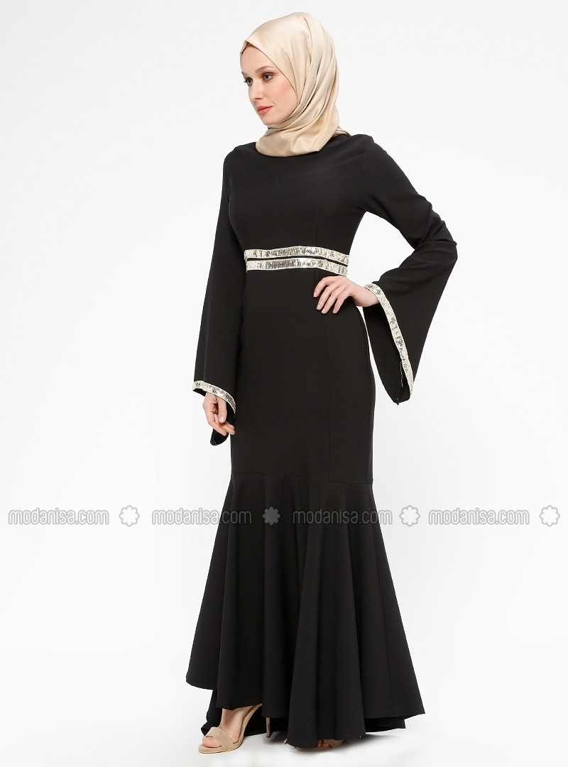 d6a11d6ae7b7a Shoptagr | Black Unlined Crew Neck Muslim Evening Dress BÜrÜn by ...
