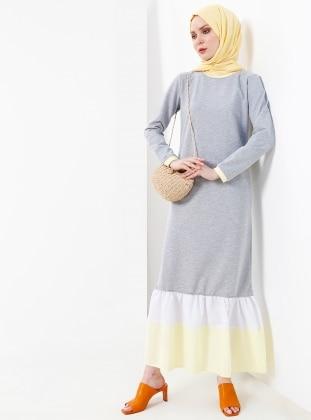 125dfde329ad9 Doğal Kumaşlı Fırfır Detaylı Elbise - Gri Sarı