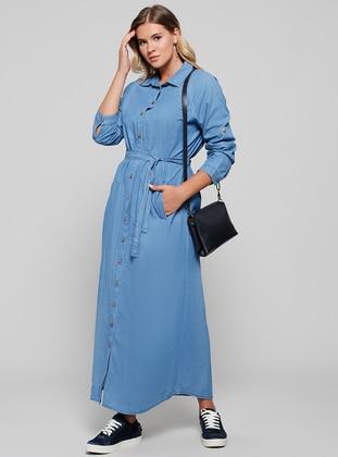 Doğal Kumaşlı Boydan Düğmeli Kot Elbise - Açık Mavi - Alia Ürün Resmi